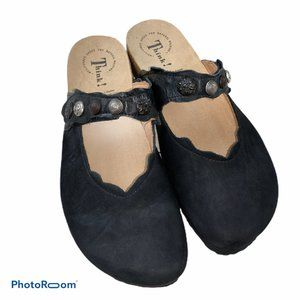 NEW Think! Julia Suede Clogs Shoes 41 10-10.5 NWOB